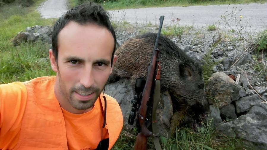 El cazador rivadedense Casimero Riestra. :: e. c.