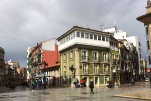 Calles La Cámara, a la izquierda, y La Fruta.