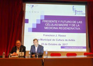 El conferenciante Francisco Vizoso y Alberto del Río presentador del acto.