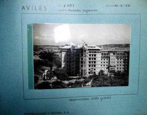 Ficha de construcción de uno de los bloques (10 junio 1958). Foto cedida por Fernando Soler.