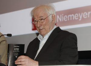 Seamus Heaney (1939-2013) en Avilés.