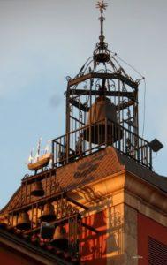 nocheviejas-torre-reloj-ayto-aviles