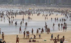 playa-calor-buen-tiempo-gijon-asturias-3-k1a-u60490769430frd-624x385el-comercio